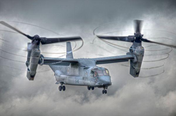 Bell V-22 Osprey («Скопа»). Американский конвертоплан, сочетающий возможности самолёта и вертолёта, совершил первый полет в 1989 году. Стоимость одной машины составляет 116,1 млн на 2013 год. Всего произведено около 160  V-22.