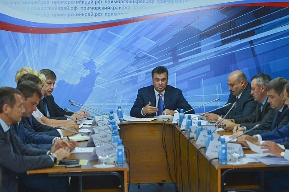 Владимир Миклушевский на расширенном заседании Администрации Приморья в Яковлевке.