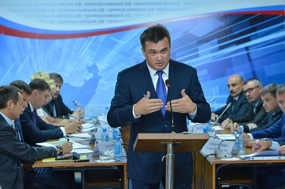 Владимир Миклушевский говорит об отсутствии нормального руководства в муниципалитете на протяжении многих лет.