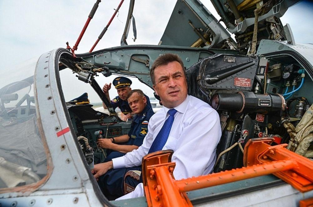 В кабине боевого самолёта.