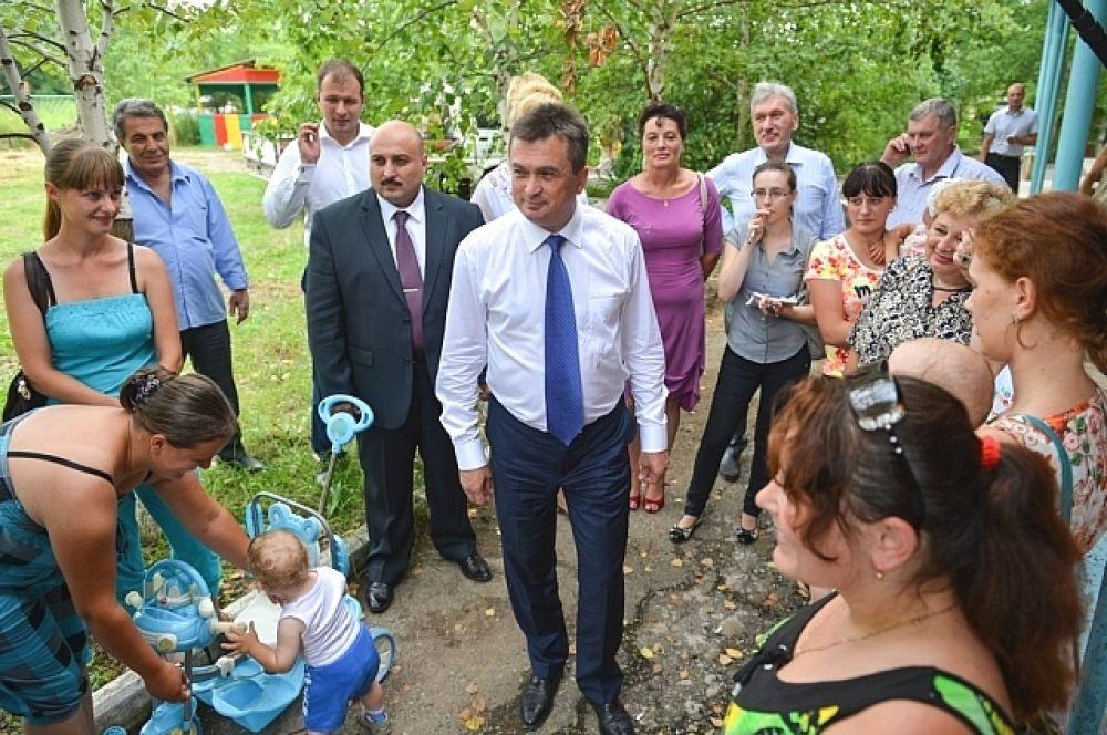 Руководитель края посетил реконструируемый детский сад.