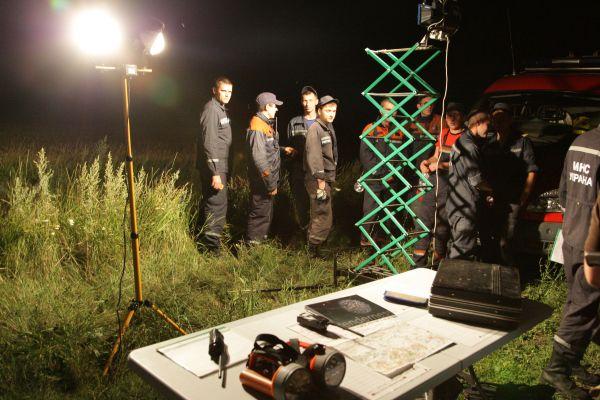 Украинские спасатели на месте крушения авиалайнера