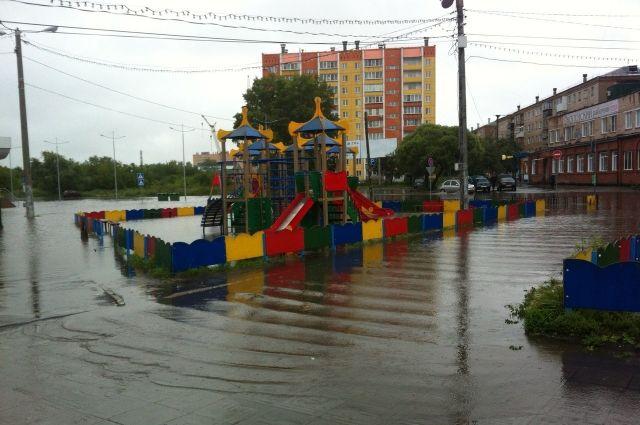 Центр Копейска оказался затоплен непрекращающимися ливнями