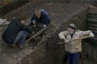 Раскопки на месте обнаружения останков будут продолжаться.