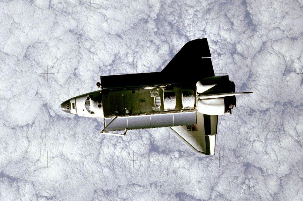 Уже на следующий год в распоряжение NASA поступил второй челнок – «Челленджер». Корабль совершил несколько полётов, вывел на орбиту трансляционный спутник, обеспечил возможность отремонтировать ещё один модуль прямо в открытом космосе и провёл ряд экспериментов в лаборатории «Спэйслаб».