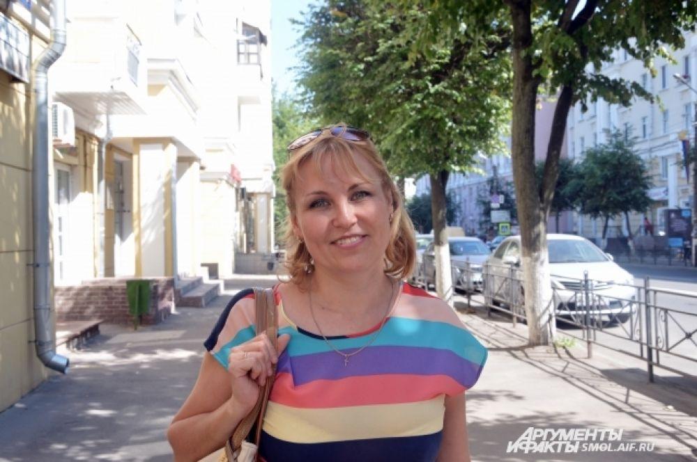 Галина Чепикова, страховой агент: «Как известно, 2014 год объявлен годом перекрестного туризма Россия-Италия, поэтому вопроса: «Куда поехать отдыхать?» у меня не возникало, я решила посетить итальянский курорт Римини, надеюсь получить массу эмоций и впечатлений».