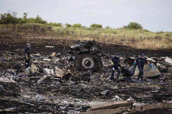 Спасательные работы на месте крушения «Боинг-777»