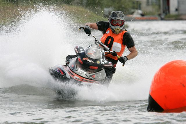 Во время чемпионата по аквабайку Russkiy Grand Prix.