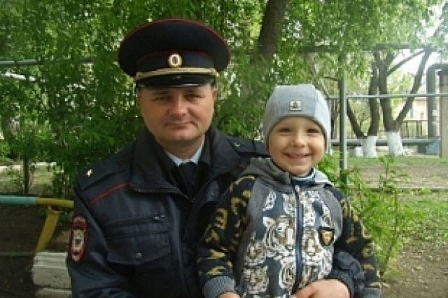 Дмитрий Козачок с сыном.
