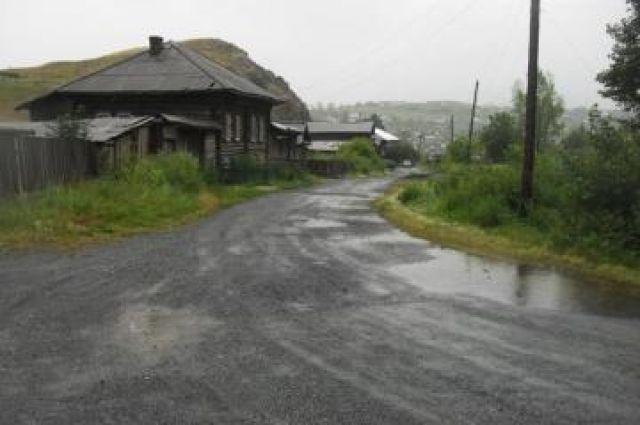 Частные дома в Сатке оказались под угрозой подтопления из-за ливней