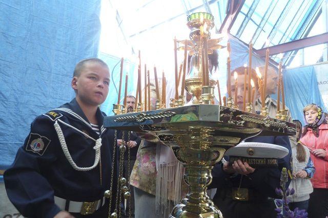 Первая Божественная литургия.