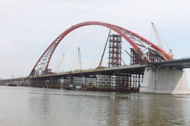 Строящийся Бугринский мост в Новосибирске.