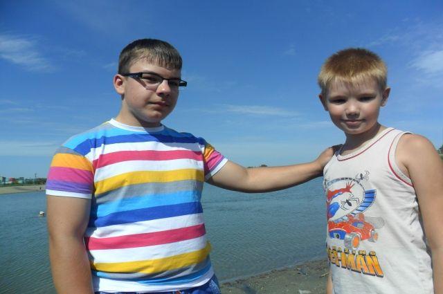 Товарищи – Даниил (слева) и Саша.