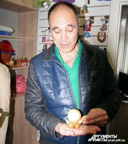 В магазине «Благого дела» Дмитрию Соколову приглянулся массажер-«улитка».