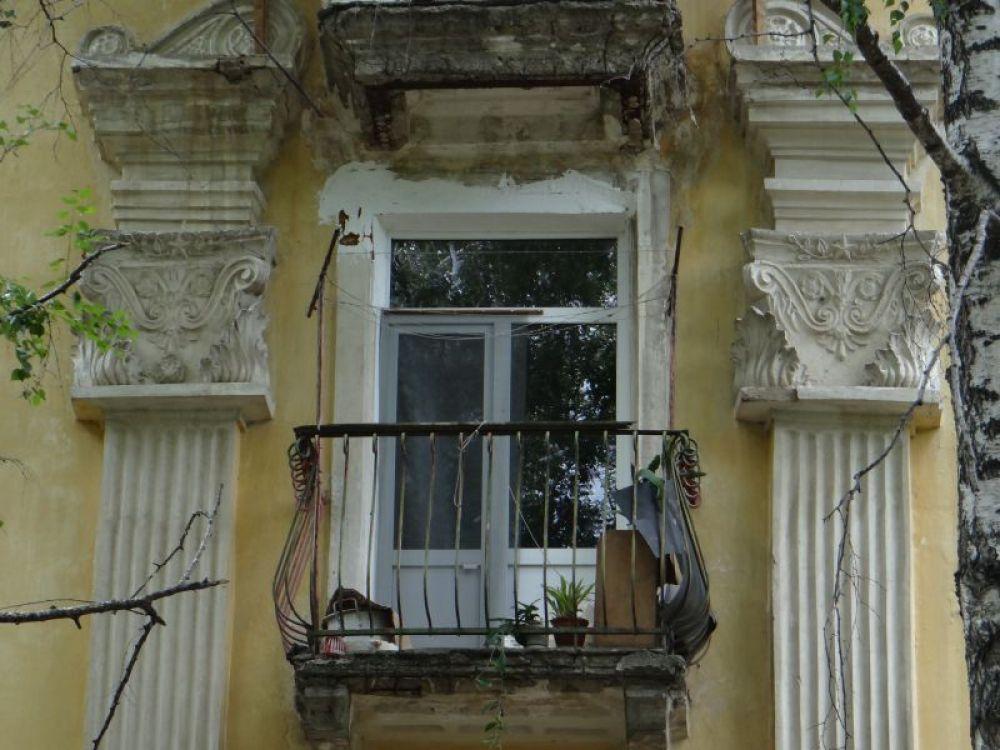 1.Декоративные элементы архитектуры наши земляки обживают как могут