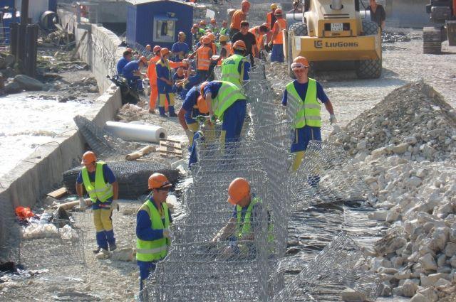 В Сочи наши студенты-строители трудились 6 дней в неделю по 12 часов.