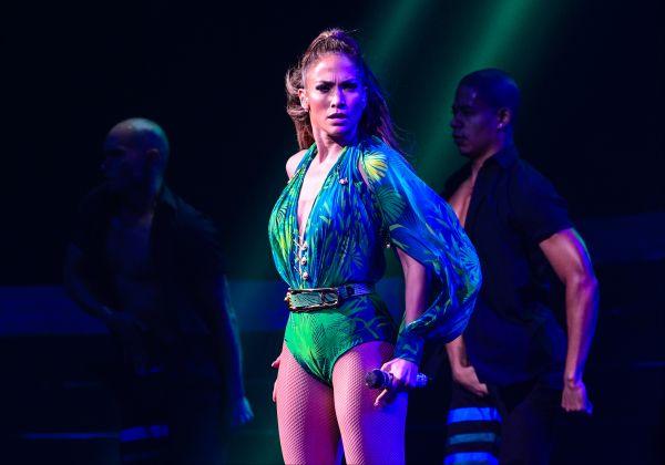 Количество проданных музыкальных альбомов Лопес по всему миру – примерно 55 миллионов. За свою карьеру певицы она два раза была номинирована на «Грэмми», два раза была награждена «Латинским Грэмми», получила три статуэтки «American Music Awards».