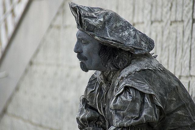 «Оживший» Рембрант очень похож на памятник.