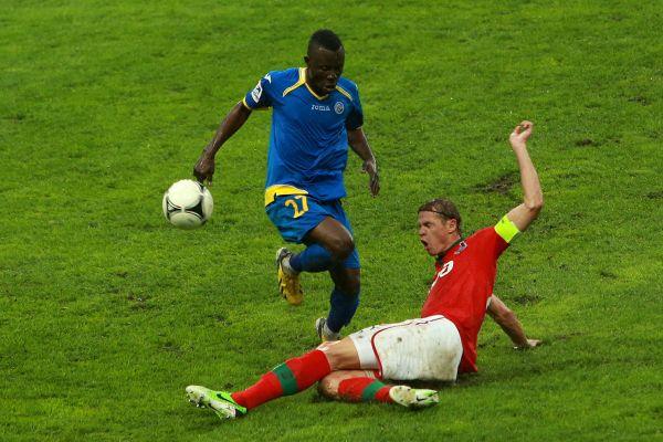 Габонский футболист Каку Гелор Канга, чей рост – 167 см, стал играть за футбольный клуб «Ростов» в 2013 году.
