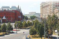 У Воскресенской площади (пл. Революции с 1918 г.) были лучшие трактиры - Егорова, Тестова, Большой Московский (Патрикеевский).