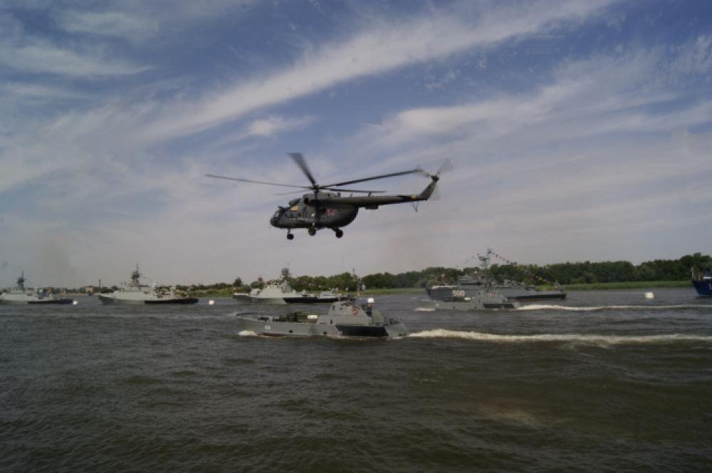 Высадка десанта при поддержке с воздуха.