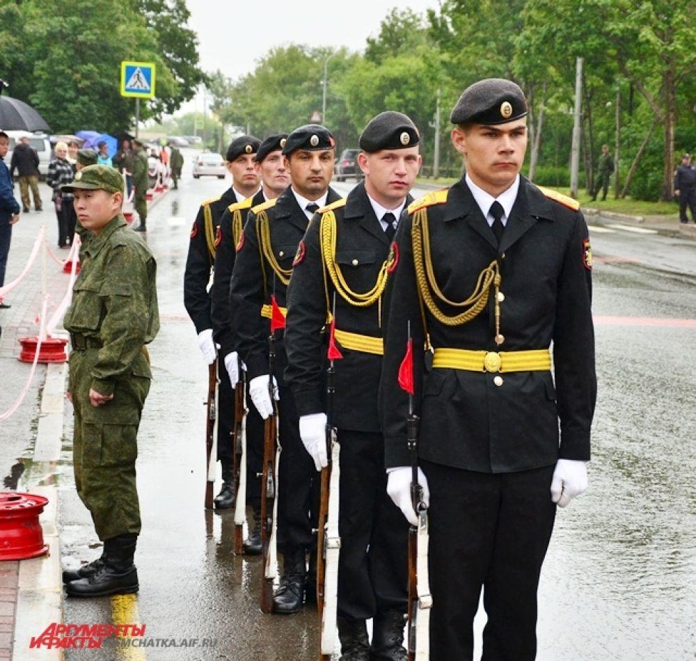 Морская военная форма к лицу настоящим мужчинам.