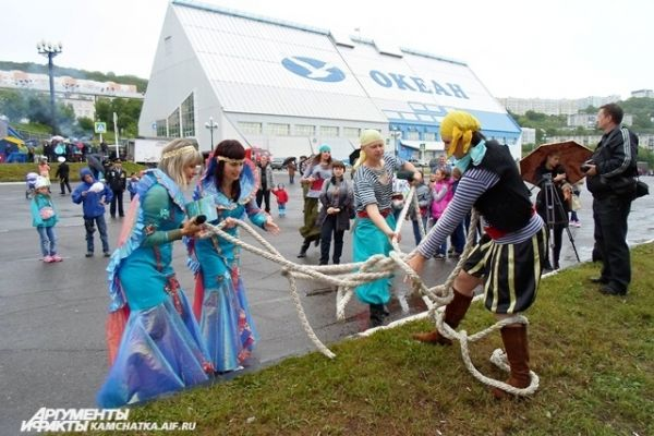 Конкурсная программа для детей «На морской волне».