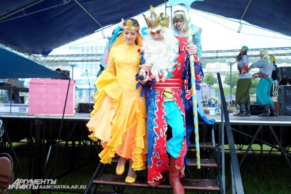 Театрализованное представление «Как царь Нептун жениться решил». Невеста - золотая рыбка.