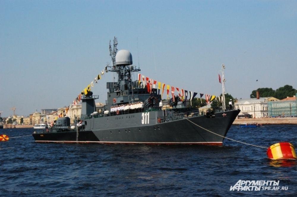 Военные корабли в акватории Невы