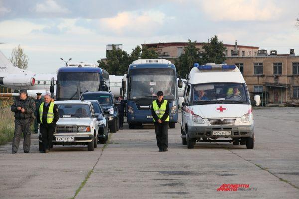 Граждан Украины ждали теплые автобусы.