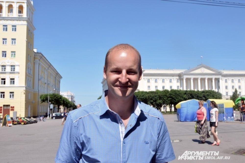 Виталий Верещагин, литейщик металлов и сплавов: «Я и раньше боялся летать, поскольку считаю, что самолеты находятся в ужасном состоянии. Сейчас  тем более не решусь на перелет».