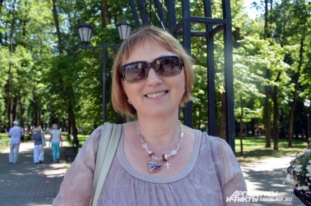Людмила Бородачова, главный бухгалтер: «В связи с последними событиями я действительно стала бояться летать. Возможно, со временем страх пройдет, но на данный момент я действительно боюсь перелета. Сейчас даже стоит вопрос о том, лететь  отдыхать или нет».