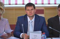 Вице-губернатор Олег Ежов.