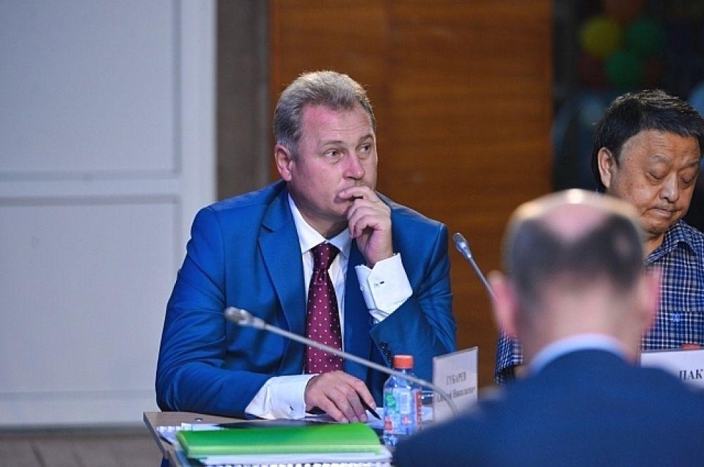 На выездном заседании глава региона заявил, что намерен направить свою проверку использования земель.