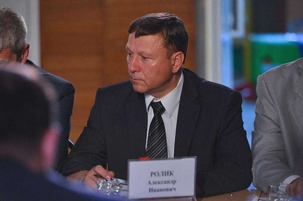 Куратор Надежденского района - Александр Ролик.