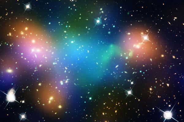Скопление галактик Abell 520 в созвездии Ориона. Находится на расстоянии 2 645 000 световых лет от Земли.