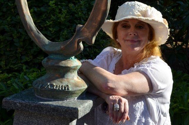 «Тетя Соня» с бронзовым памятником