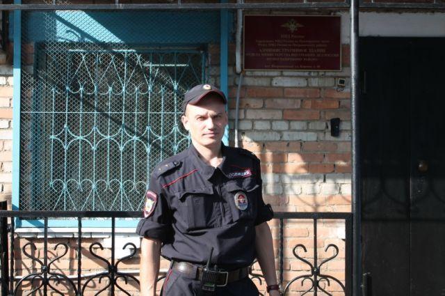 Прапорщик полиции Сергей Поздняков.