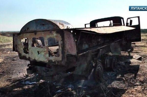 Уничтоженные боевиками танки и БТРы сил АТО