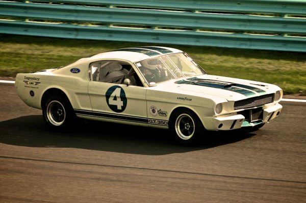 Mustang был достаточно дешёвым спортивным автомобилем, но ради снижения цены производитель отказался от многих удачных идей. В результате уже на следующий год тюнинговое ателье Shelby представило своё видение этой машины. Так появился Shelby GT350 – более мощная, лучше управляемая и дорогая версия Mustang.