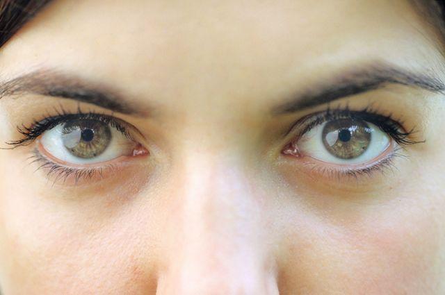 Член глазом