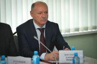 Первый вице-губернатор Александр Костенко.