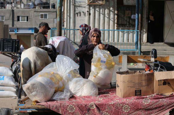 В ответ на действия Израиля Палестина подала иск в Международный уголовный суд в Гааге. Вместе с этим с осуждением «чрезмерного применения Израилем силы» выступил Египет.