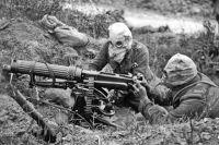 Солдаты с  «адским косильщиком», как назвали пулемёты Хайрема Максима в Первую мировую войну.