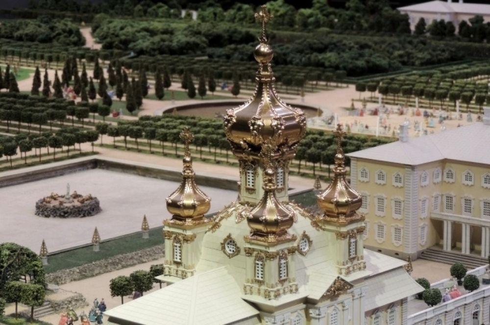 Экспозиция, посвященная строительству Петербурга в XVIII веке, охватывает эпоху от Петра I до Екатерины II