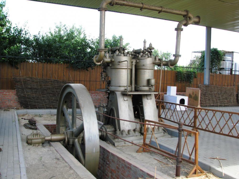 Двигатель, которому более 100 лет, реставрирован и готовится к запуску.