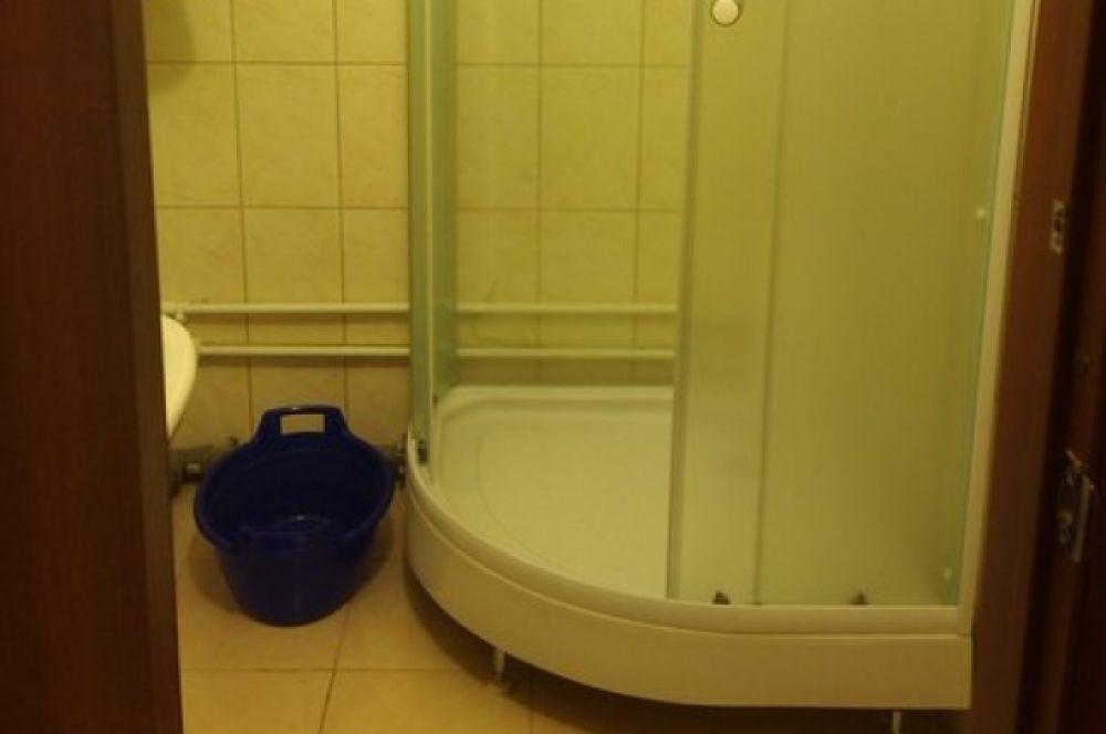 Такая ванная комната, как в общежитии, есть дома не у каждого студента.