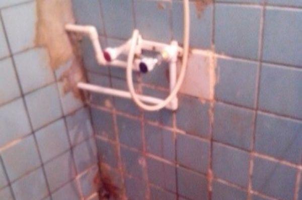 Один душ на полэтажа.