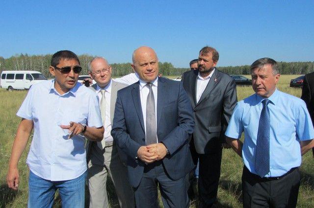 Виктор Назаров посетил Марьяновский район с рабочим визитом.