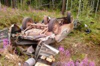 В результате ДТП 33-летний водитель и 24-летний пассажир погибли на месте, еще двое мужчин с травмами попали в больницу.